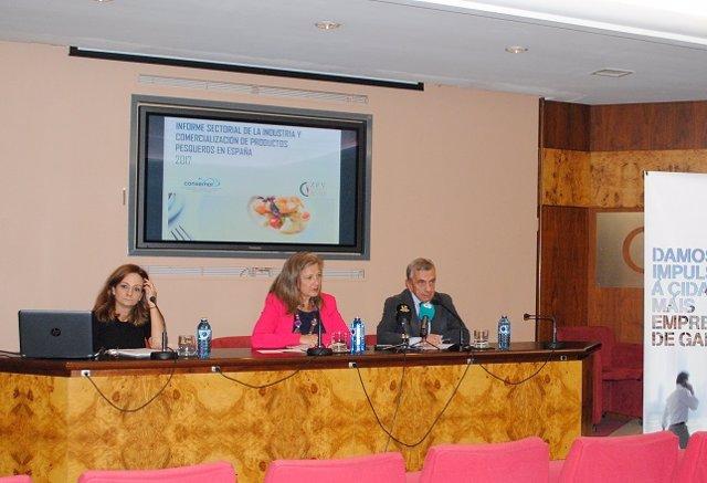 Delegada del Consorcio de la Zona Franca de Vigo y el presidente de Conxemar