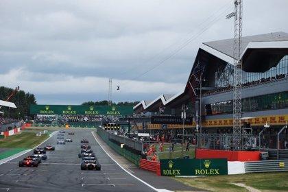 Hamilton busca consuelo en casa y McLaren estrena organigrama