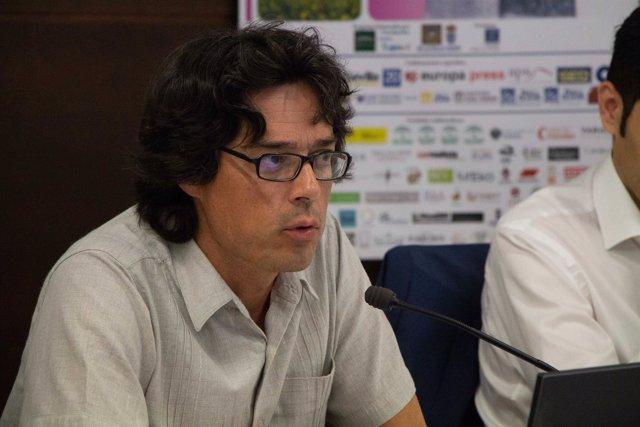 Miguel Vázquez Liñán en los cursos de verano de la UPO