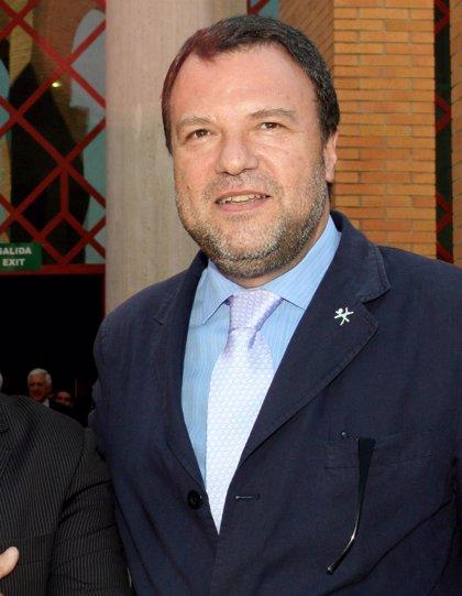 El BOE publica el cese de Landa como delegado especial para la zona franca y el nombramiento de Monteseirín