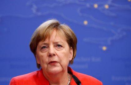 """Merkel afirma que las negociaciones sobre el Brexit """"entran ahora en una fase crucial"""""""