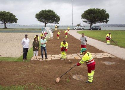 Alumnos de un taller de empleo en jardinería realizan mejoras en el Puerto Deportivo de Camargo