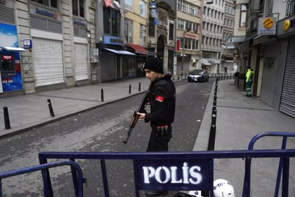 Detenidos 33 presuntos miembros de Estado Islámico en varias operaciones en Estambul (Turquía)