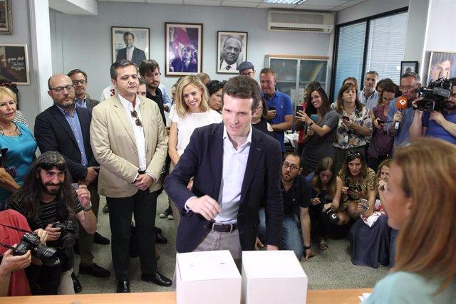 Pablo Casado vota en las primarias del PP en Madrid