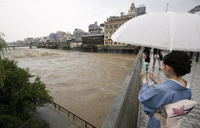 Precipitaciones sobre el río Kamo River, en Japón.