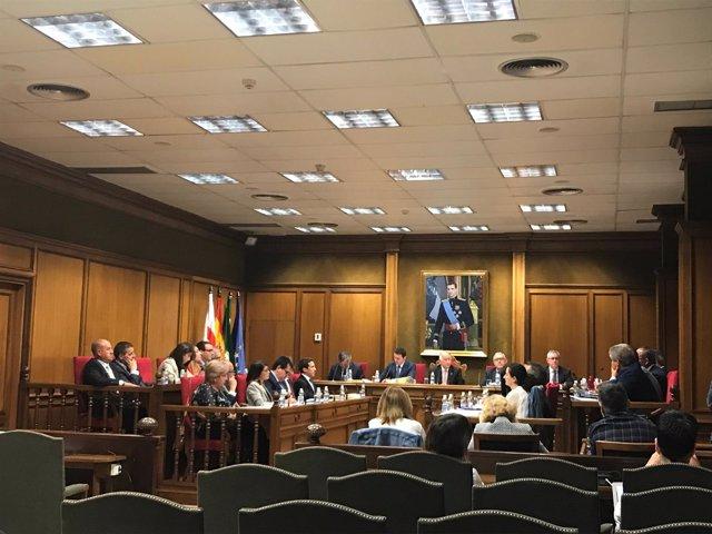 El pleno de Diputación ha aprobado ocho planes de inversión en la provincia.