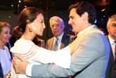 Foto: Isabel Preylser y Mario Vargas Llosa presumen de buena relación con Ciudadanos y Albert Rivera