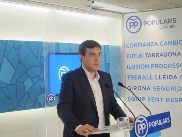José Luis Ayllón (PP), en rueda de prensa en Barcelona