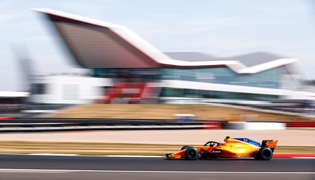 Fernando Alonso (McLaren) en Silverstone