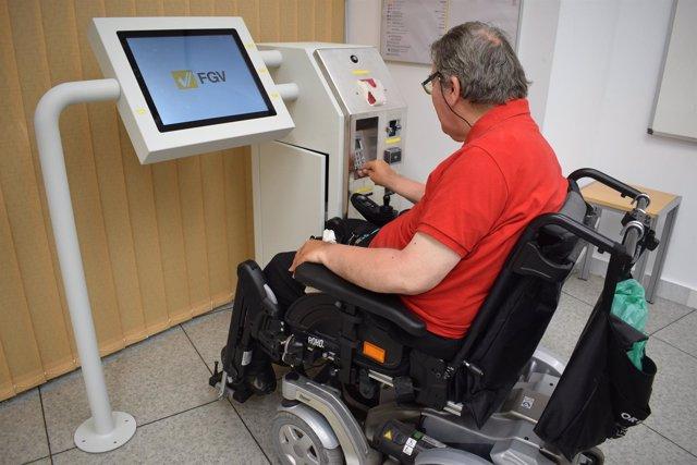 FGV desarrolla una máquina de venta de billetes plenamente accesible
