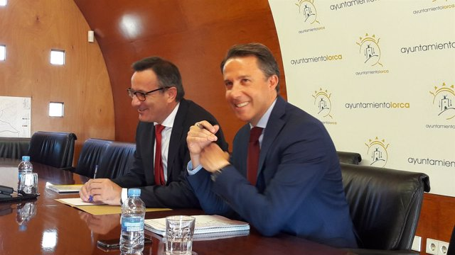 El alcalde de Lorca y el delegado, reunidos