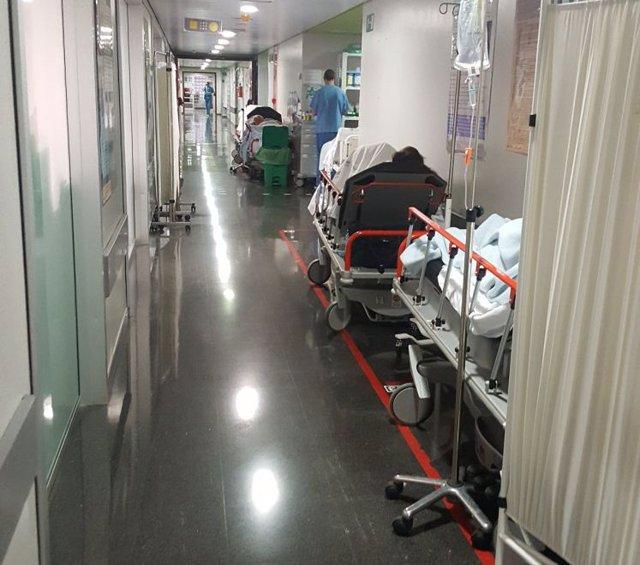 Urgencias de Son Espases con camas en los pasillos
