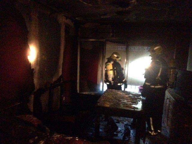 Incendio en una vivienda. Bomberos.