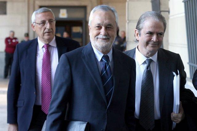 Griñán llega a la Audiencia para declarar en el juicio por los ERE