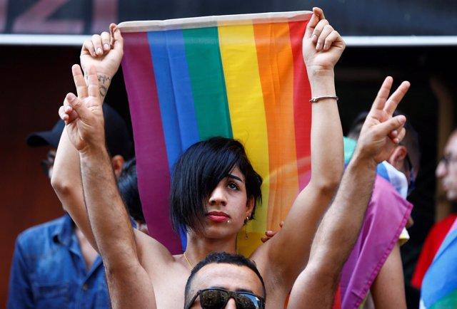 Manifestación del orgullo gay en Estambul
