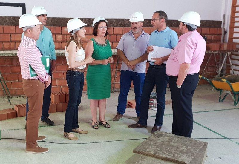 Junta invertir euros en remodelar el ies azcona - Carpinterias en malaga ...