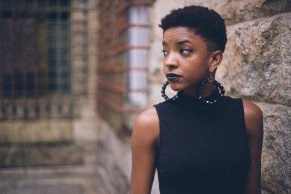 Pendientes XL o multipiercing: una moda que desforma la oreja