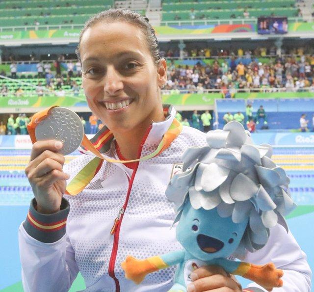 Perales, con su medalla de plata en los 100 libre