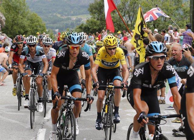 Alpe d'Huez convierte en 'humano' a Froome