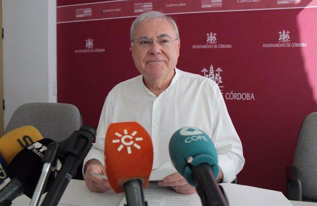 Emilio Aumente en el Ayuntamiento