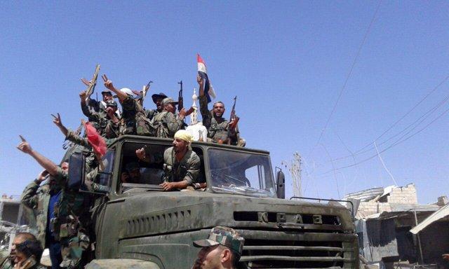 Fuerzas leales a Al Assad en la zona noreste de Deraa