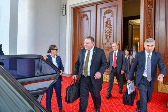 El secretario de Estado de EEUU, Mike Pompeo, abandona Pyongyang