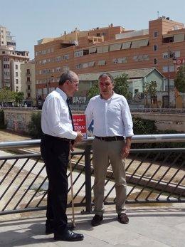 El alcalde de Málaga, Francisco de la Torre, y Elías Bendodo portavoz PP-A