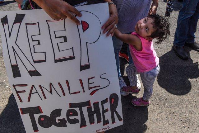 Protesta contra la separación de menores en la frontera de EEUU