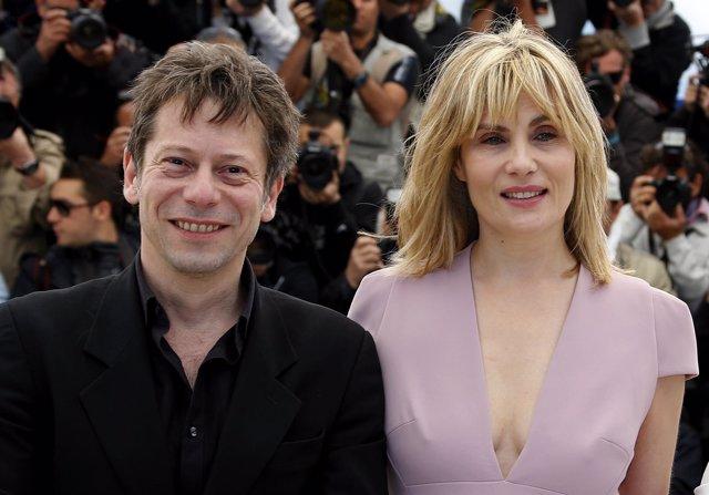 Cast members Mathieu Amalric y Emmanuelle Seigner