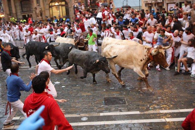 Segundo encierro de los Sanfermines 2018 con toros de José Escolar Gil.