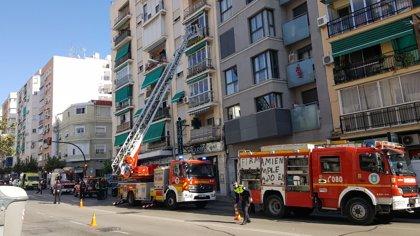 Dos afectados por inhalación de humo tras un incendio en una vivienda de Antequera