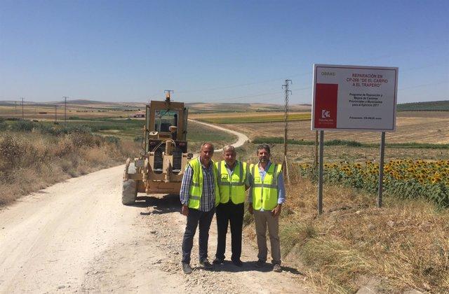 Obras en el camino provincial del CP-266 'De El Carpio al Trapero'