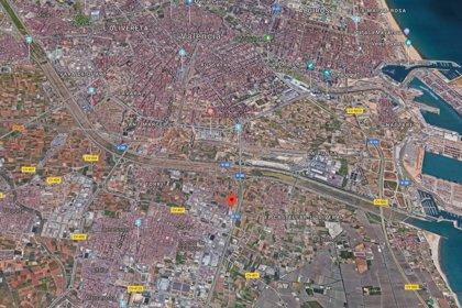 Fallece un peatón tras ser atropellado por un autobús en la V-31 a la altura de Sedaví (Valencia)