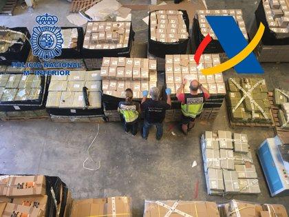 Desmanteladas en Valencia dos fábricas clandestinas de pilas falsas que imitaban baterías de primera calidad