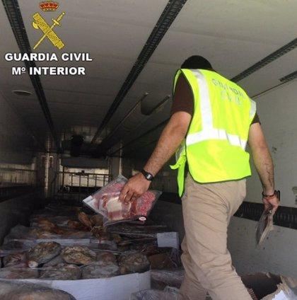 Intervenidos en Granada 10.700 jamones y embutidos ibéricos congelados en mal estado