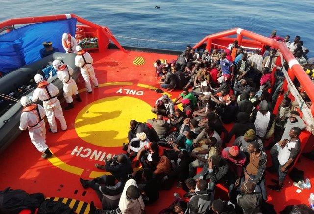 Inmigrantes rescatados de pateras