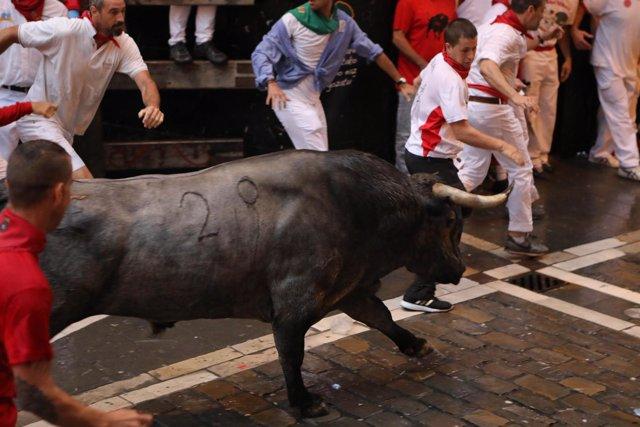 Segundo encierro de Sanfermines 2018 con toros de José Escolar.