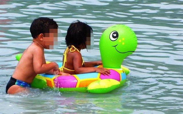 Flotador, niños, agua