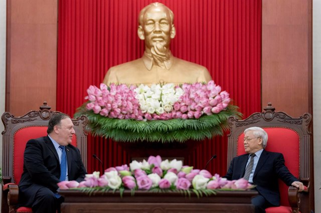Mike Pompeo y Nguyen Phu Trong