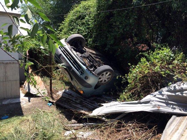 Imagen del coche tras la colisión