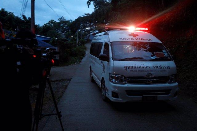 Rescate de los niños atrapados en una cueva de Tailandia