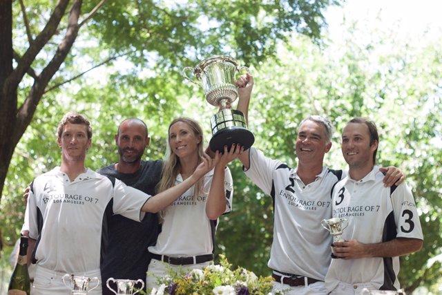 Entrega del trofeo Memorial Enrique Zobel