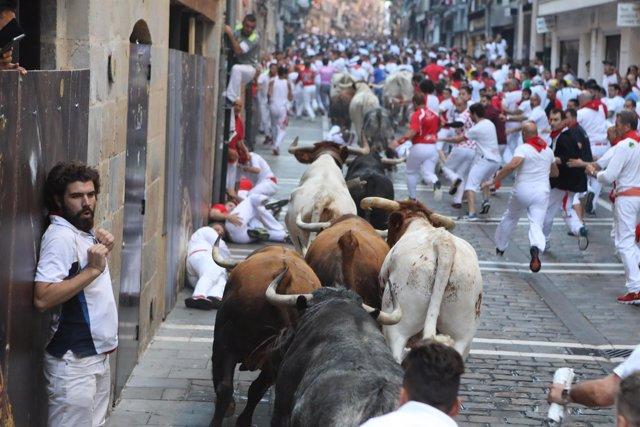 Tercer encierro de Sanfermines con toros de Cebada Gago.