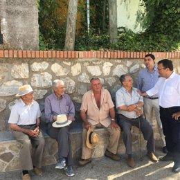 El diputado socialista miguel ángel heredia visita Colmenar
