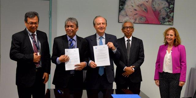 Firma del acuerdo entre PharmaMar y Centro de Investigación