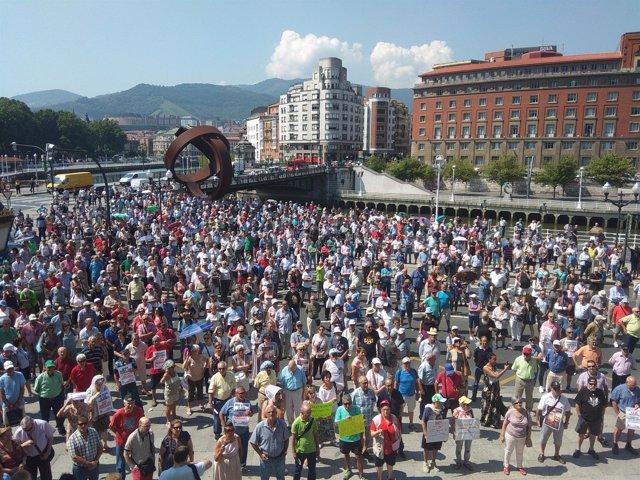 Concentración pensionistas en Bilbao