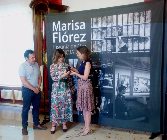 Marisa Flórez recibe la Insignia de Oro