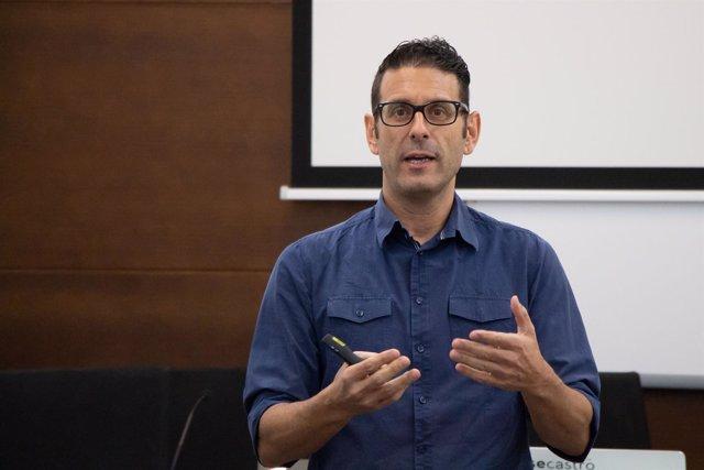 Xosé Castro en los cursos de verano de la UPO