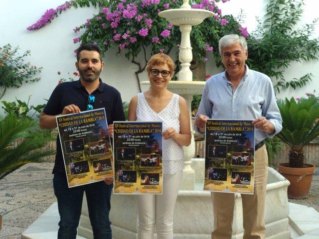 Ruz y Osuna (dcha.) presentan el Festival Internacional de Música de La Rambla