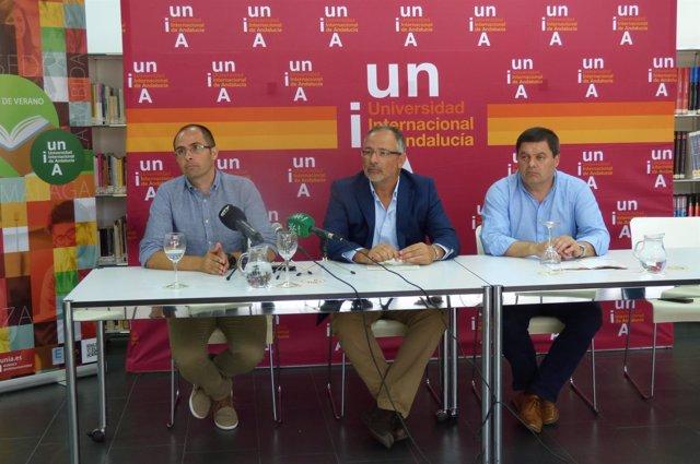 Manuel Acosta, Agustín Galán y Rafael Pérez en los cursos de verano de la UNIA
